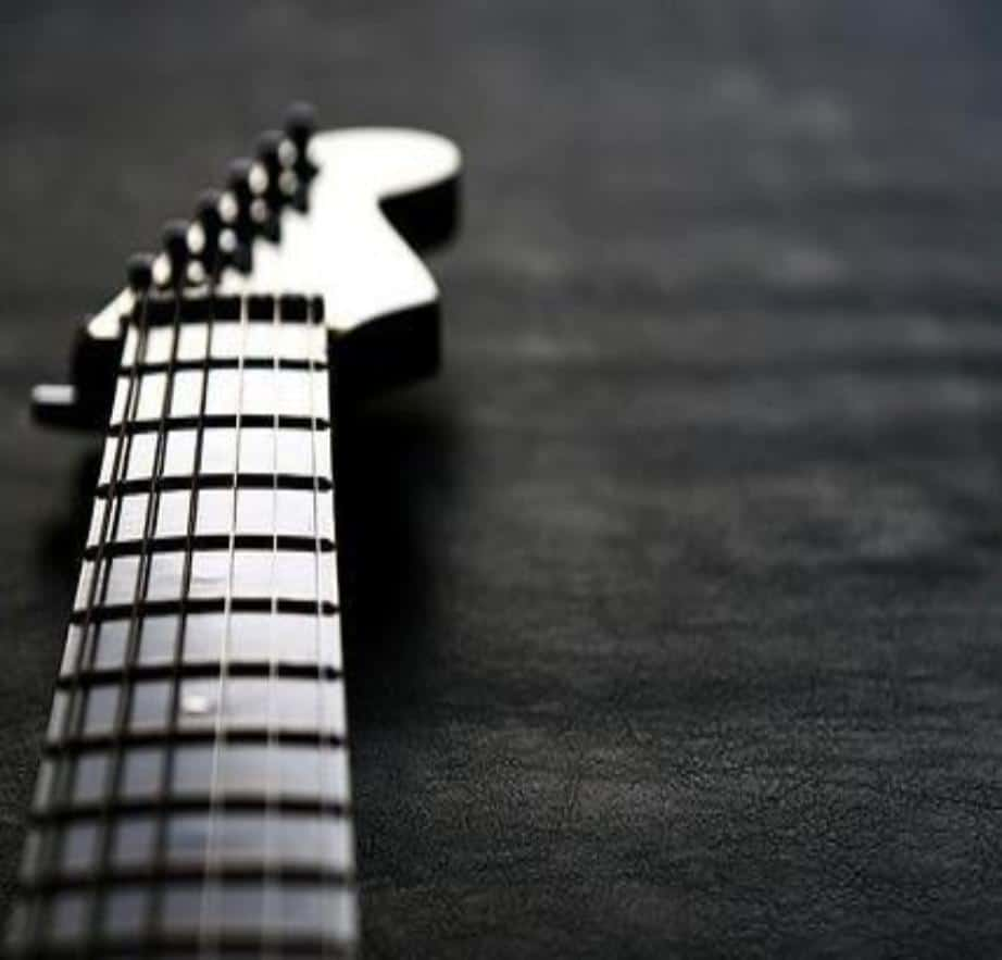 Learn all the notes on the guitar neck easily!